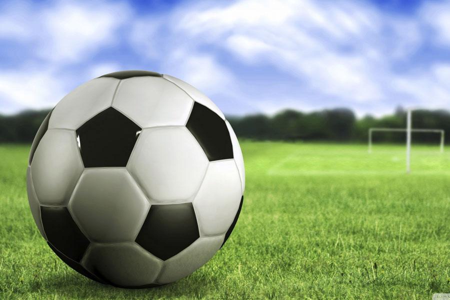 Girls' Soccer Streaks to 6-0