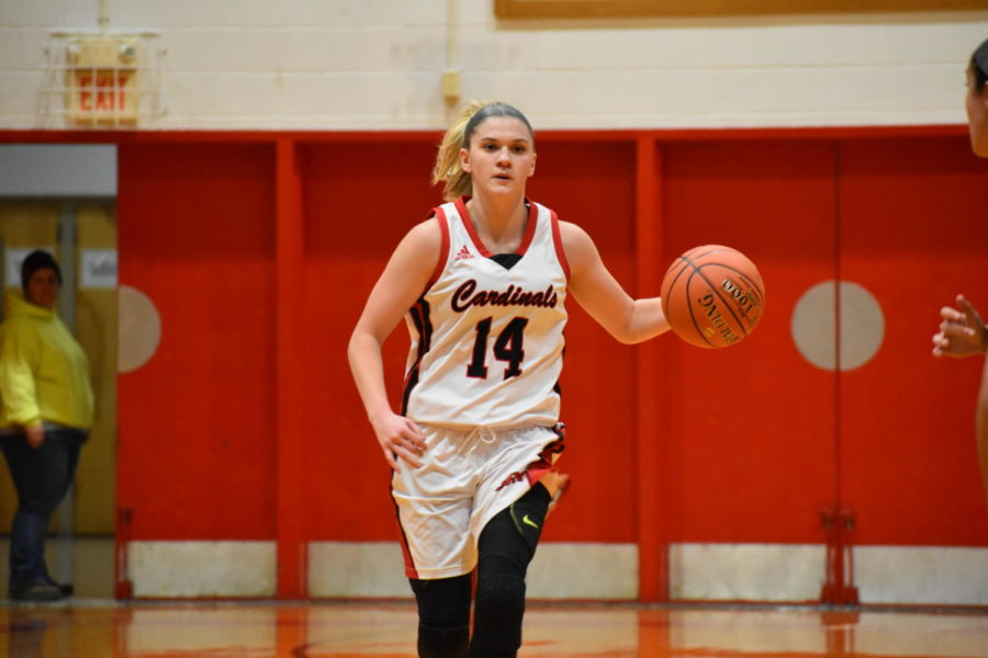Kennedy+Igo+dominated+the+Valkyries+Wednesday+night%2C+scoring+26+points+for+the+second+ranked+Lady+Cardinals.